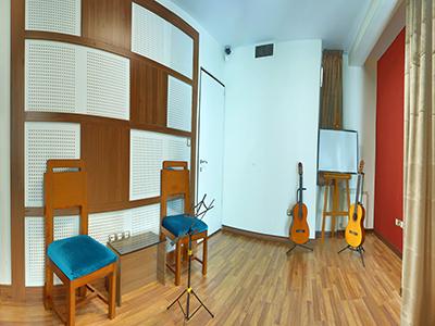 آموزشگاه موسیقی ریشه در خاک