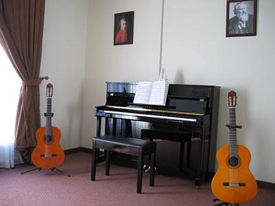 آموزشگاه موسیقی طنین دلنواز